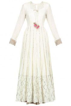 Priyanka Singh: Buy Priyanka Singh Designer wear at pernia's pop up shop Pakistani Fashion Party Wear, Indian Party Wear, Indian Fashion Dresses, Indian Gowns, Abaya Fashion, Pakistani Outfits, Indian Outfits, Indian Wear, Women's Fashion