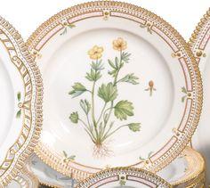 A set of eighteen Royal Copenhagen 'Flora Danica' dinner plates<br>modern | lot | Sotheby's