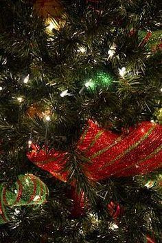 Kristen's Creations Decorating A Christmas Tree With Mesh Ribbon Tutorial