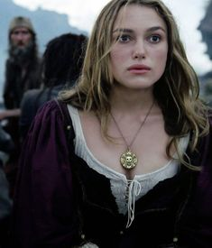 Pirates of the Caribbean: The Curse of the Black Pearl Keira Knightley Pirates, Keira Christina Knightley, Captain Swan, Elizabeth Swann, Period Costumes, Movie Costumes, 18th Century Fashion, Pirates Of The Caribbean, Celebs