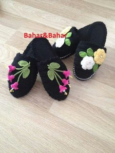 G Crochet Shoes, Crochet Slippers, Crochet Clothes, Sock Shoes, Baby Shoes, Shoe Pattern, Tulum, Leg Warmers, Crochet Baby
