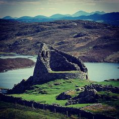 Dun Carloway broch, one of the best preserved broch towers in #Scotland. #WesternIsles #history