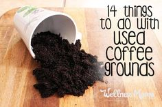 Something that never felt right to me was throwing away used coffee grounds. Many people wake up in the morning looking forward to their cup of joe and then habitually toss the grounds that give them this coveted beverage into the trash without a second t Wellness Mama, Health And Wellness, Wellness Tips, Home Remedies, Natural Remedies, Coffee Face Scrub, Uses For Coffee Grounds, Wie Macht Man, Coffee Benefits