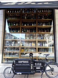 Vanenbikke LA CORUÑ Fika bar mess life  Larryvsharry Bikke messenger