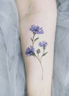 Exceptional tiny tattoos are offered on our web pages. Have a look and you wont… Exceptional tiny tattoos are offered Pretty Tattoos, Unique Tattoos, Beautiful Tattoos, Awesome Tattoos, Bad Tattoos, Body Art Tattoos, Girl Tattoos, Small Flower Tattoos, Flower Tattoo Designs