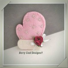 felt-winter-mitten-baby-pink-snap-hair clip - Christmas Holiday