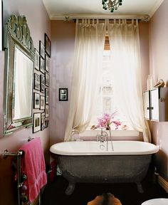 lilac bathroom with venetian mirror in stella tennant's west village home Gorgeous Bathroom, Best Bathtubs, Beautiful Bathtubs, Lilac Bathroom, House Interior, Diy Bathroom Remodel, Amazing Bathrooms, Country House Decor, Best Kitchen Designs