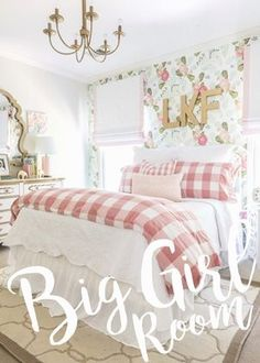 Big girl room reveal with floral wallpaper, gingham bedding and glam pink and go. Big girl room reveal with floral wallpaper, gingham bedding and glam pink and gold accessories Big Girl Bedrooms, Shabby Chic Bedrooms, Little Girl Rooms, Pink Bedrooms, Trendy Bedroom, Pink Girl Rooms, Light Pink Girls Bedroom, Vintage Girls Rooms, Bedroom Girls