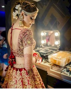 Beautiful And Luxury Wedding Outfit For Bridal 31 Indian Bridal Outfits, Indian Bridal Lehenga, Indian Bridal Fashion, Indian Bridal Wear, Red Lehenga, Bridal Dresses, Shaadi Lehenga, Bridal Mehndi, Bridesmaid Dresses