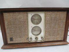 Vintage GE T-255 Tube AM/FM Radio Receiver