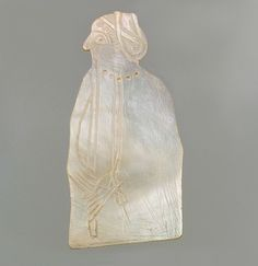 Shell Inlay of a Woman from Sumer, Early Dynastic, c. 2600-2500 BCE #art #arthistory #mesopotamia #ancienthistory #earlydynastic #artworld