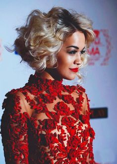 She's so Chic! Here's Rita Ora's Lookbook ...