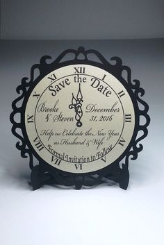 4 New Year's Eve Wedding Clock Save the Date by WeddingTrousseau - 2019 Neujahr New Years Wedding, New Years Eve Weddings, Wedding News, Wedding Dj, New Years Eve Party, Dream Wedding, New Year's Eve Wedding Ideas, Silvester Make Up, Silvester Outfit