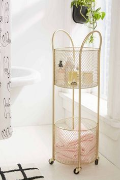 Good storage is an essential part of bathroom design and for a small bathroom you'll need to be clever with what you choose. Keep scrolling to shop the 10 small bathroom storage ideas that we're eyeing in the new Urban Outfitters home catalog. Storage Cart, Storage Shelves, Storage Ideas, Toiletry Storage, Shelving, Home Decor Bedroom, Diy Home Decor, Urban Outfitters Home, Urban Outfitters Apartment