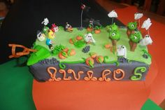 Tarta decorada con fondant. Angry birds