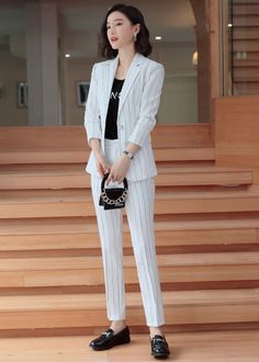 Casual Asian Fashion, Korean Girl Fashion, Colorful Fashion, Classy Work Outfits, Office Outfits Women, Casual Outfits, Suit Fashion, Work Fashion, Fashion Outfits