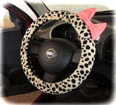 by (CoverWheel) Steering wheel cover for wheel car accessories Fur leopard with pink bow wheel | http://carsandsuchcollections.blogspot.com