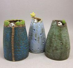 Moosigen Hügel... Knospe Vase / Pen Halter in Steinzeug von elukka