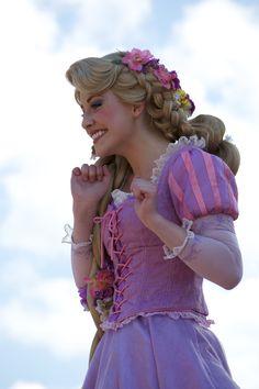 Rapunzel my dream job Walt Disney Princesses, Disneyland Princess, Disney Princess Dresses, Disney Parks, Disney Pixar, Tangled Cosplay, Tangled Rapunzel, Princess Rapunzel, Disney Tangled