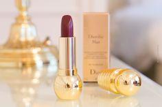 Beauty Blog über den neuen Dior Lippenstift Diorific Mat Troublante. Ein dunkler Lippenstift mit mattem Finish für die Lippen. Beauty Trend matte Lippen