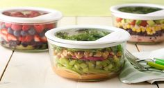 Apple and Greens Salad recipe - This salad is wonderfully refreshing any time… Healthy Eating Recipes, Healthy Salads, Raw Food Recipes, Veggie Recipes, Cooking Recipes, Veggie Dishes, Salad In A Jar, Soup And Salad, Green Salad Recipes