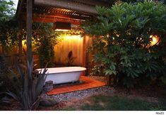 Use a Salvaged Tub to Turn Your Backyard Into a Soothing Oasis -- AOL Real Estate