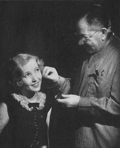Vintage Hairstyles Max Factor Make-up Masterclass 1931 Hollywood Makeup, Hollywood Icons, Classic Hollywood, Beauty Tips For Hair, Beauty Secrets, Beauty Hacks, Diy Beauty, 1930s Hair, Bessie Love
