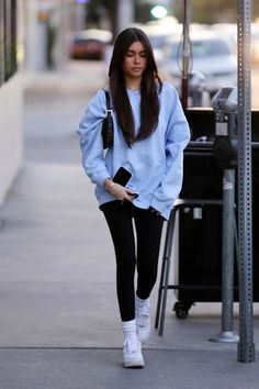 Check out the latest photos of celebrity high street style fashion Madison Beer in a light blue sweatshirt and black leggings in West Hollywood, Los Angeles Estilo Madison Beer, Madison Beer Style, Madison Beer Outfits, Madison Beer Hair, Cute Casual Outfits, Stylish Outfits, Mode Outfits, Fashion Outfits, Style Fashion