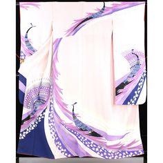 薄桃色の地に、袖や肩裾部分に白と紫、赤紫の伸びる模様に波や花柄が入っていて、大きな孔雀柄の綺麗な振袖です。 桃色に紗綾形地文の重ね衿が付いています。  長襦袢(広衿・袷仕立) 身丈126m/裄丈61cm/袖丈101cm/前巾25cm/後巾30cm  薄桃色の地に、紐で縦涌と花の形をした地文が全体に入っていて、半衿にも花地文が入っています。  <シチュエーション> 豪華な袋帯と合わせて、セットでお召しいただけます。  【楽天市場】振袖(重ね衿・長襦袢付) 薄桃 紫と赤紫の大きな孔雀が綺麗な柄 【中古】【リサイクル着物・リサイクルきもの・アンティーク着物・中古着物】:ビスコンティ&きもの忠右衛門