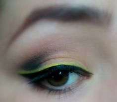 Yellow liner makeup look / julieknowshow.blogspot.com