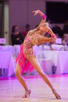 Learn To Ballroom Dance And Feel Your Soul Latin Ballroom Dresses, Ballroom Dancing, Royal Ballet, Samba Dance, Body Painting, Tango Dancers, Hip Hop, Dance Accessories, Salsa Dancing