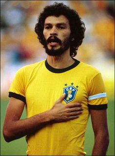 Sócrates @ Brazil Club Football, Brazil Football Team, Legends Football, Best Football Players, Retro Football, National Football Teams, World Football, Soccer World, Soccer Players