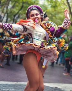 Beautiful Latina, Beautiful Asian Girls, Great Legs, Nice Legs, Carnival Girl, Gymnastics Poses, Photography Women, Sport Girl, Festival Fashion
