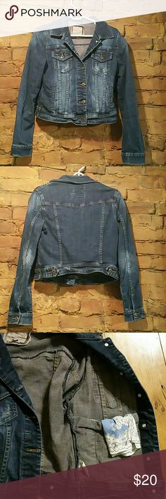 Heritage 1981 Cropped Jean Jacket Distressed dark blue denim jacket.  Button closure. Two side pockets, two small chest pockets, and two interior pockets 98% cotton 2% spandex Heritage 1981 Jackets & Coats Jean Jackets