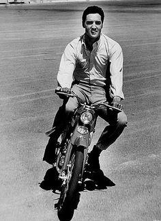Elvis Presley, 1964.