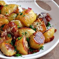 oven roasted potatoes with bacon and grated cheese food-for-thought Potato Dishes, Food Dishes, Side Dishes, Red Potato Recipes, Main Dishes, Think Food, I Love Food, Oven Roasted Potatoes, Roasted Bacon