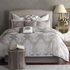 Cortina Comforter Set