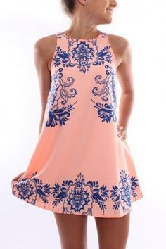 Unbelievably cute summer dress with a vintage blue design that we absolutely love