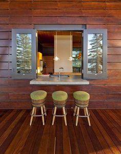 cabin decorating ideas | Great idea for indoor/ outdoor patio breakfast | Cabin Decor and Ideas #Decoratingkitchen