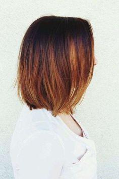 Shatush rame rosso su capelli a caschetto - Capelli corti con shatush rosso rame.