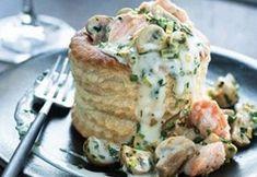 Recipe: Vol au vent of salmon and mushrooms. Easy Pasta Recipes, Fish Recipes, Seafood Recipes, Easy Meals, Cooking Recipes, Full Meals, Soup Recipes, Vol Au Vent, Tapas