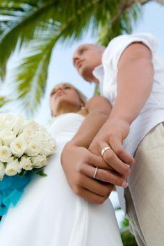 Le grand événement approche ? vous avez tout préparé ? qu'en est-il d'immortaliser ce moment ? Avec StarOfService, trouvez le meilleur photographe pour votre mariage aux meilleur tarifs parmi de nombreux pros ! www.starofservice.com