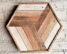 48 Newest Wood Wall Art Ideas For Home Trends Home Decoration and Remodelling Newest Wood Wall Art Ideas For HomeWhen it comes to decorating one's home, a homeowner with i Reclaimed Wood Wall Art, Reclaimed Wood Projects, Rustic Wood Walls, Rustic Wall Art, Wood Wall Decor, Wooden Wall Art, Salvaged Wood, Barn Wood, Repurposed Wood
