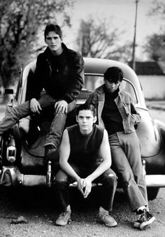 Matt Dillon as Dallas Winston C. Thomas Howell as Ponyboy Curtis Ralph Macchio as Johnny Cade. They are soo freakin hot! Willie Nelson, Movies Showing, Movies And Tv Shows, The Outsiders 1983, The Outsiders Ponyboy, Dallas Winston, Image Film, Ralph Macchio, Matt Dillon