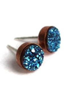 Bezeled Blue Druzy Stud Earrings.. Blue!!! I am so loving this color1 It's so sparkly! ;0