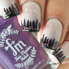 Winter nails designs feature various themes and sparkle with all possible colors. And manicure in reds, greens, blues, whites, and golds rocks this season. Every woman wants to look remarkable disregarding the weather conditions. And the pretty nails give us this chance even when the clothes we wear to go out hide all the beauty. Our collection of wintry nail art guarantees you inspiration. So, go have fun embellishing your nails!