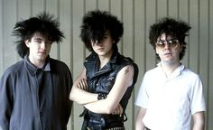 (L-R) Robert Smith, Simon Gallup, Lol Tolhurst. Absolutely love the layers (hair).