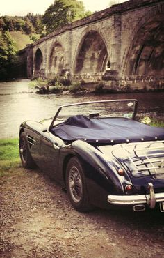 Austin Healey club staying in Atholl Arms Hotel, Dunkeld