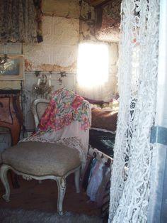 Bohemian Valhalla: gypsy caravan interior