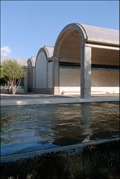 Kimbell Art Museum Fort Worth, Texas by Louis I. Kahn :: 1974